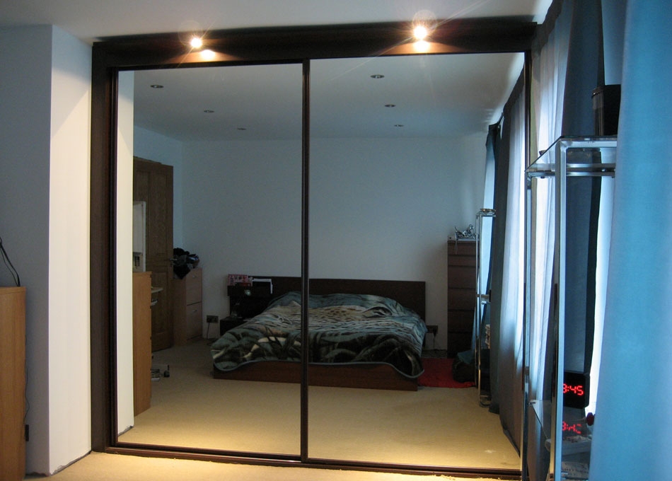 Mirror wardrobe with wenge frame