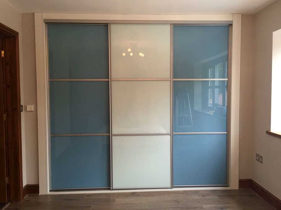 Silver frame and oriental style Blue and Pure White glass doors