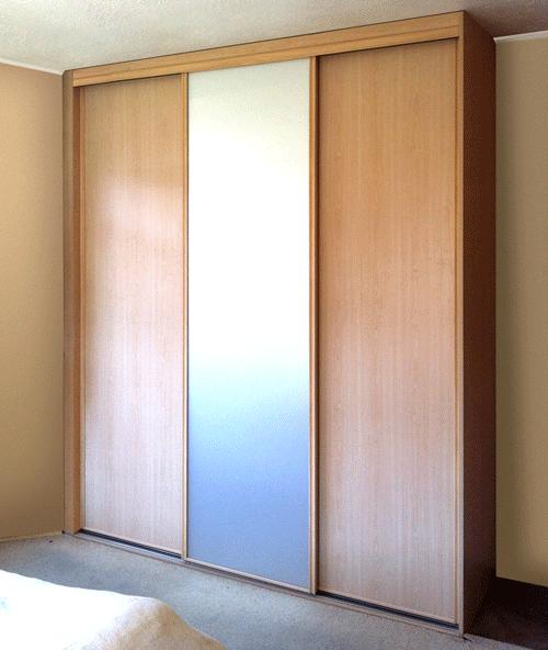 Wood sliding wardrobe