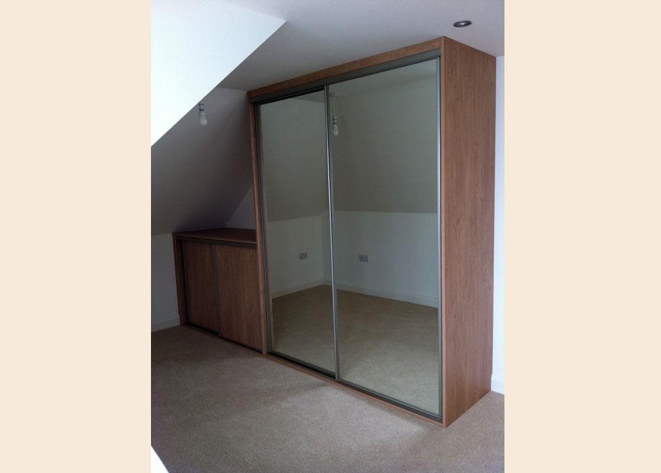 Mirror wardrobe with platinum frame