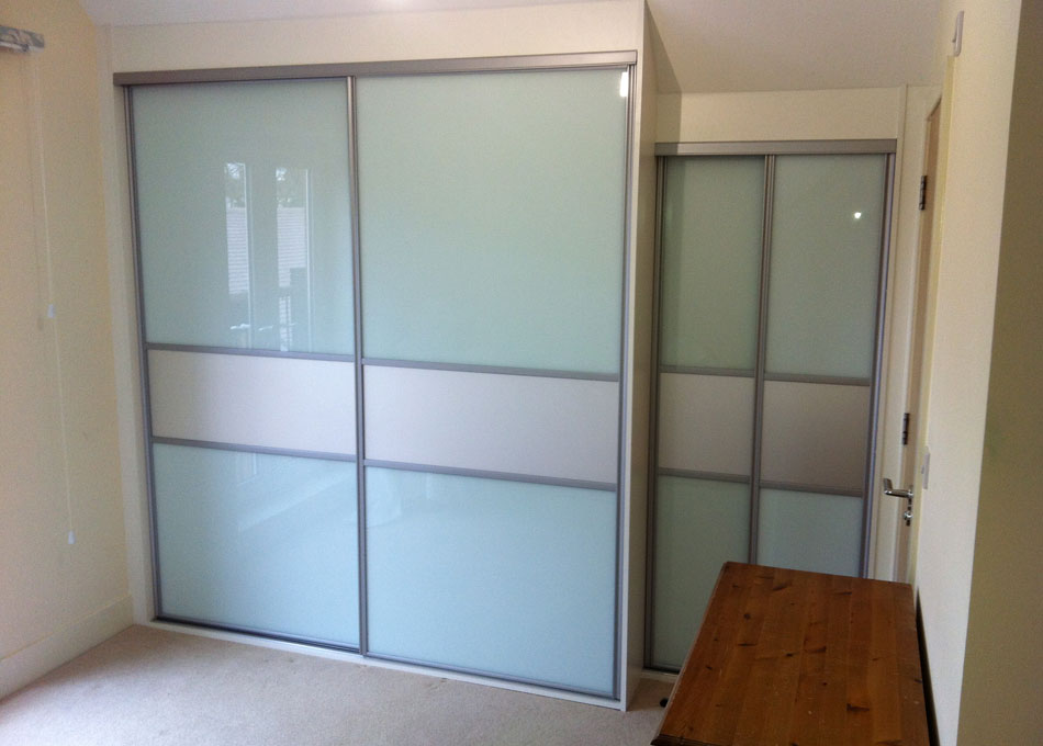 Silver frame frosted mirror and white glass