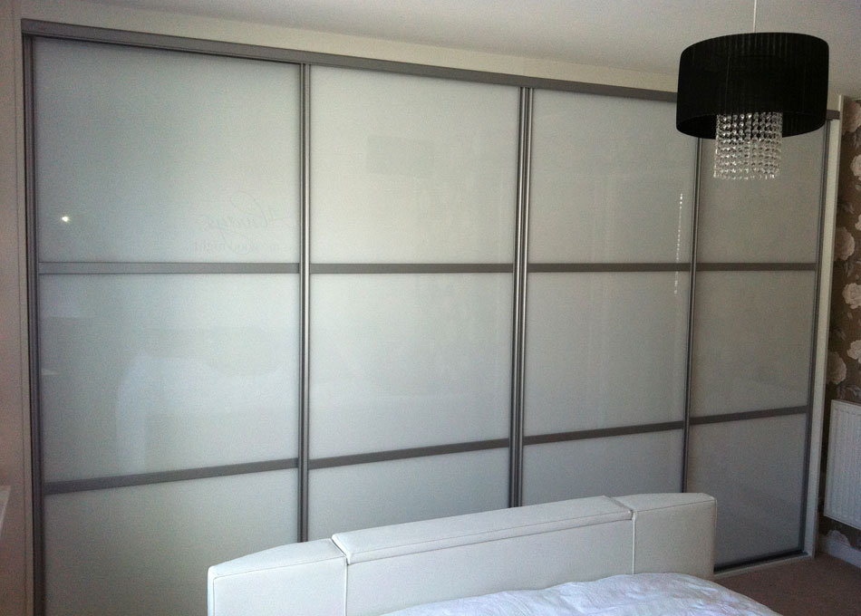 White frame mirror and pure white glass