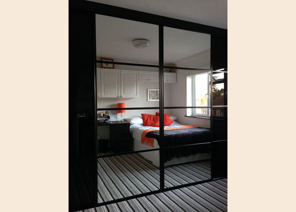 Black frame and oriental style Black glass and Mirror doors