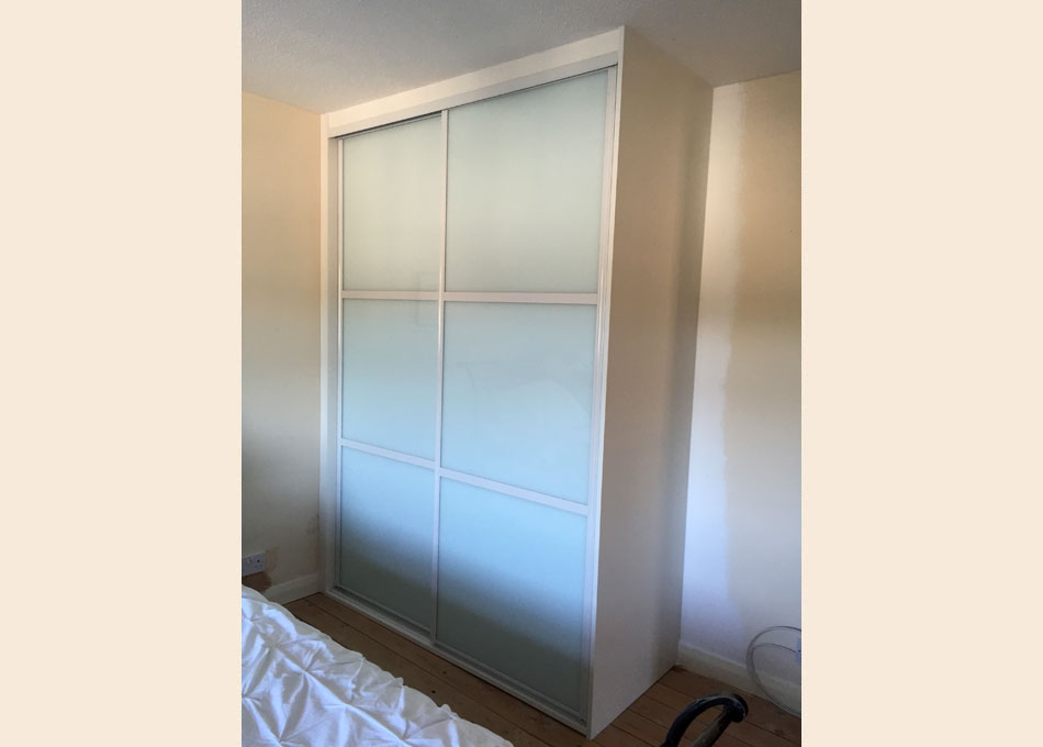 White frame and oriental style White glass doors