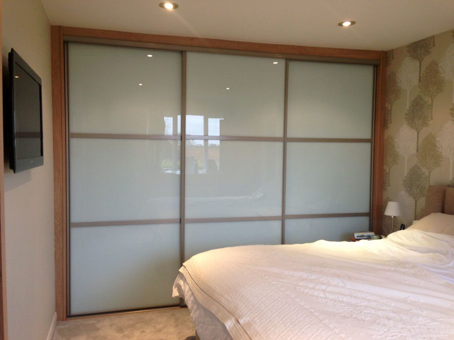 Platinum frame and oriental style White glass doors